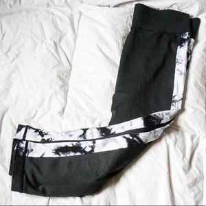 Pants - Capri workout leggings
